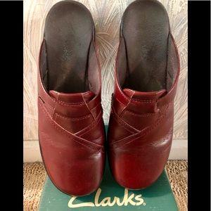 Clarks Clogs